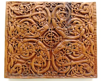Celtic Dogs Wood carving, Handmade Woodcarving, 13,7 x 13,7 in.