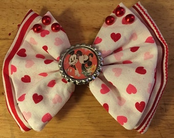 Mickey and Minnie Love Bow