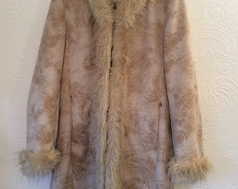 Beautiful Vintage 90s does 70s Faux  Suede Faux Fur coat UK12