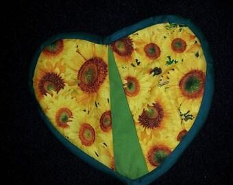 Heart shaped sunflower potholder