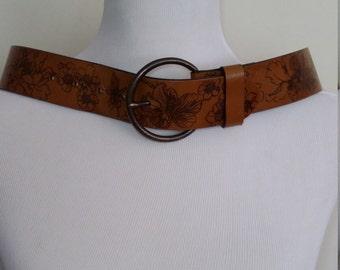 Tooled leather belt, S, M, floral leather belt, 70's belt, brown leather belt, vintage leather belt, tooled belt, brown belt