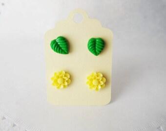 Stud earrings set  small resin flower green laif post earrings flower post earrings handmade resin flower jewelry small stud earrings gift
