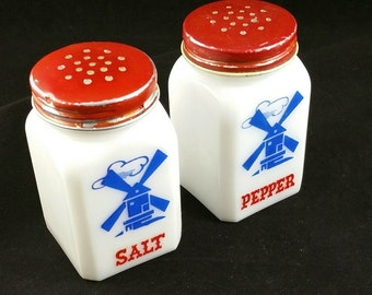 Vintage Milk Glass Salt And Pepper Shakers, Windmill Milk Glass Salt And Pepper Shakers, Vintage Kitchen Decor