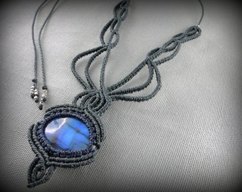 Macrame Necklace and Blue Labradorite. Elaborated and delicate intertwined pattern. Chocker or long necklace.