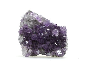 Amethyst cluster, small amethyst crystal bed