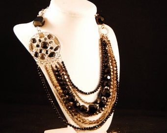 Black beaded/lucite necklace