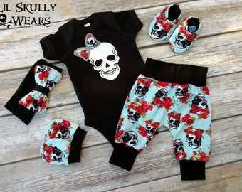 Newborn Baby Coming Home Outfit, Coming Home Outfit, Newborn Outfit, Baby Hospital Outfit, Baby Girl Outfit, Skull Baby, Baby Girl, Skull