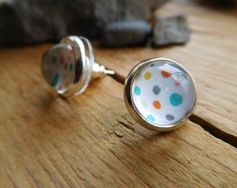 Colorful cabochons earrings.