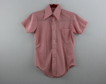 vintage CHECKERED white + red / short sleeve button up shirt / dress shirt  >> youth <<