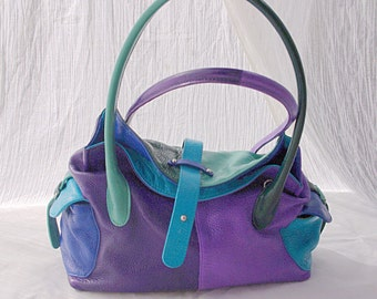 Hand painted leather hanbag