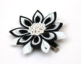 Black and white Kanzashi  flower hair clip. Japanese hair clip. Kanzashi hair flower.  Japanese Fabric Flower Clip.