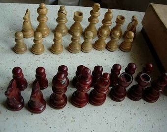 box of staunton chess pieces