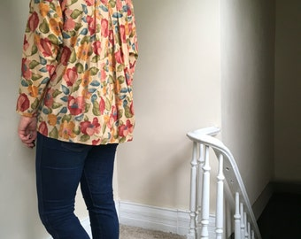 Vintage Banana Republic Floral Buttondown Blouse from Early 90s