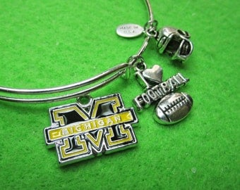 "MICHIGAN WOLVERINES ""ADJUSTABLE / Bangle Style  Bracelet"