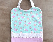 Elastic bib in pink, green and white old cotton