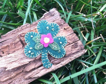 Shamrock pin - pink flower, green beads