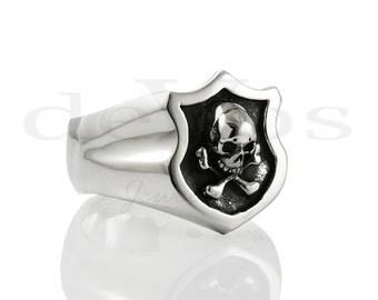 Skull Ring - Signet Ring - Jolly Roger
