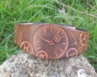 Leather steampunk design bracelet