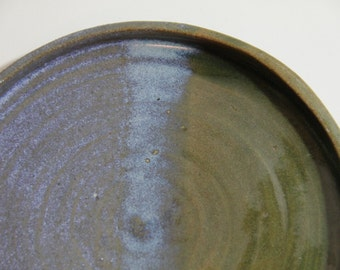 thrown plates various colors, stonware, strong good tableware, gift
