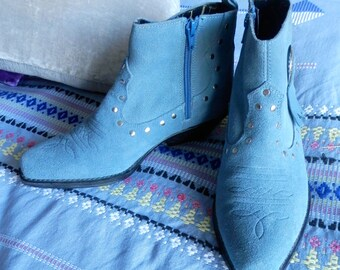 Sky Blue Suede Cowgirl/Boho Boots Size 5