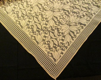 Unique Vintage Cream Lace Tablecloth Topper With Tulips