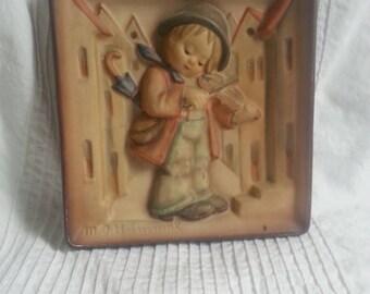 1938 Little Fiddler Hummel Plaque
