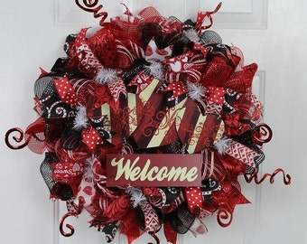 Elegant Red and Black Wreath, Red and Black Valentine Wreath, Red Mesh with Valentine Welcome,