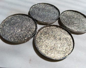 SILVER LINING Foiled Eye shadow 26mm Pan size