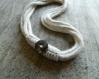 Necklace in gray wool, textile jewelry