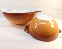 Sale 30% Off - Set of 2 Pyrex Old Orchard 444 4 Quart / 442 1 1/2 Quart Mixing Bowls, Golden Ombre