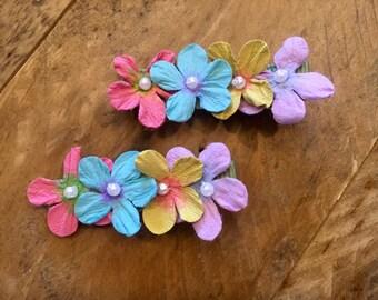 Set of 2 // Flower Hair Clip // Mini Pearl Center