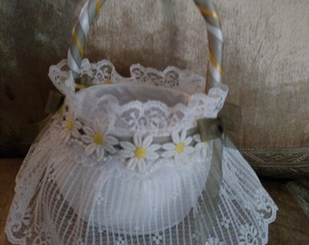 Daisy Lace & Pearl Flower Girl Basket