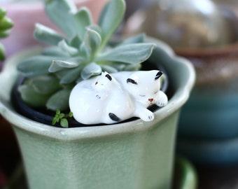 Sleep cats. Miniature Ceramic.