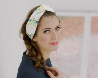 Foulard en soie, foulard fantaisie, foulard imprimé tropical, foulard motifs feuilles de palmier, carré de soie, foulard graphique