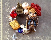 Free shipping - Puss in Boots - Cat brooch - made with beads motif