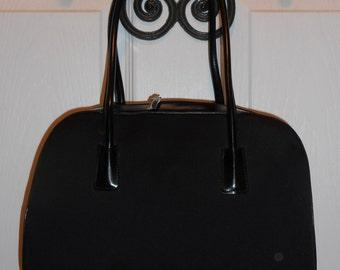 VINTAGE ENZO ANGIOLINI 12 x 8 Black Leather/Microfiber Hand/Tote Bag