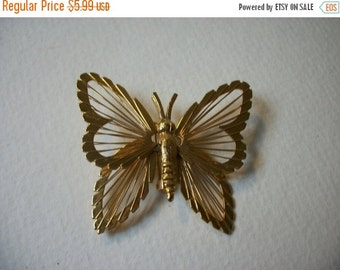 ON SALE Vintage Gold Tone Detailed Butterfly Brooch S # 339