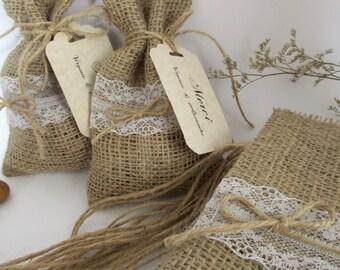 Burlap Favor Bag. Rustic Wedding Favors, Wedding Gift Bag, Favor Bag, Party Favors, Burlap and lace, Lace Favor Bag, Gift Bag Burlap Idea