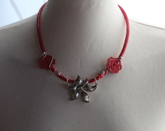 Red necklace with flower silver
