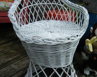 Vintage Shabby Cottage White Rattan Child's Barrel Chair