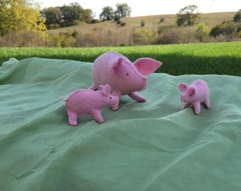 100% Wool Felt Stuffed Pig Family