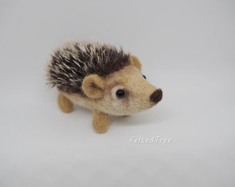 Felted toy Hedgehog/cute gift from sheep wool/needle felting/hand made