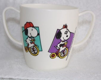Peanuts Double Handle Plastic Cup by Danara U.S.A. Snoopy Riding Tricycle