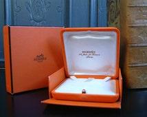 Set of 2 genuine used Hermès boxes for necklace, bracelet or brooch. Vintage Hermès jewelry boxes.