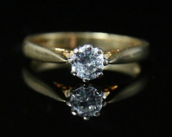 Diamond Solitaire Ring - 18ct Gold Perfect Engagement Ring
