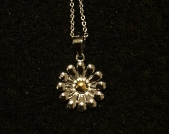 "Sterling Silver ""Daisy Chain"" Necklace"