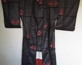 retro vintage metallic kimono