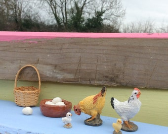 Dolls House or Fairy Door Hens and Chicks