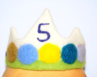 Felt 5th Birthday Crown, Waldorf Inspired Needle Felted Crown, Party crown, Boy's Crown, kings crown, pretend play, adjustable