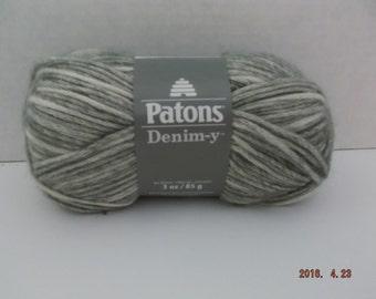 Patons Denim-y Yarn ~ Wool Blend ~ Grey (Denim) ~ #4 Medium ~ 85 grams ~ 144 Yards ~